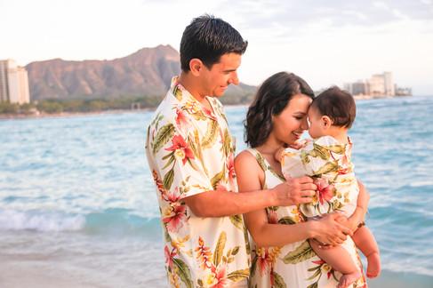 hawaii family photography ideas, Waikik Beach near Outrigger