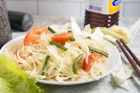 Green Papaya Salad (Som Tum), hawaii food & drink photography