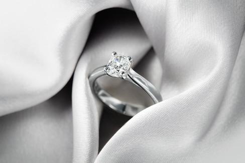 white gold diamond, hawaii jewelry photography