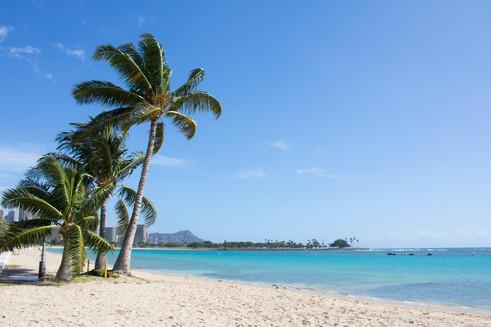 Peaceful day at Ala Moana Beach