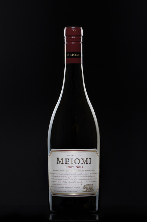 Meiomi Red Wine, hawaii advertising product photography