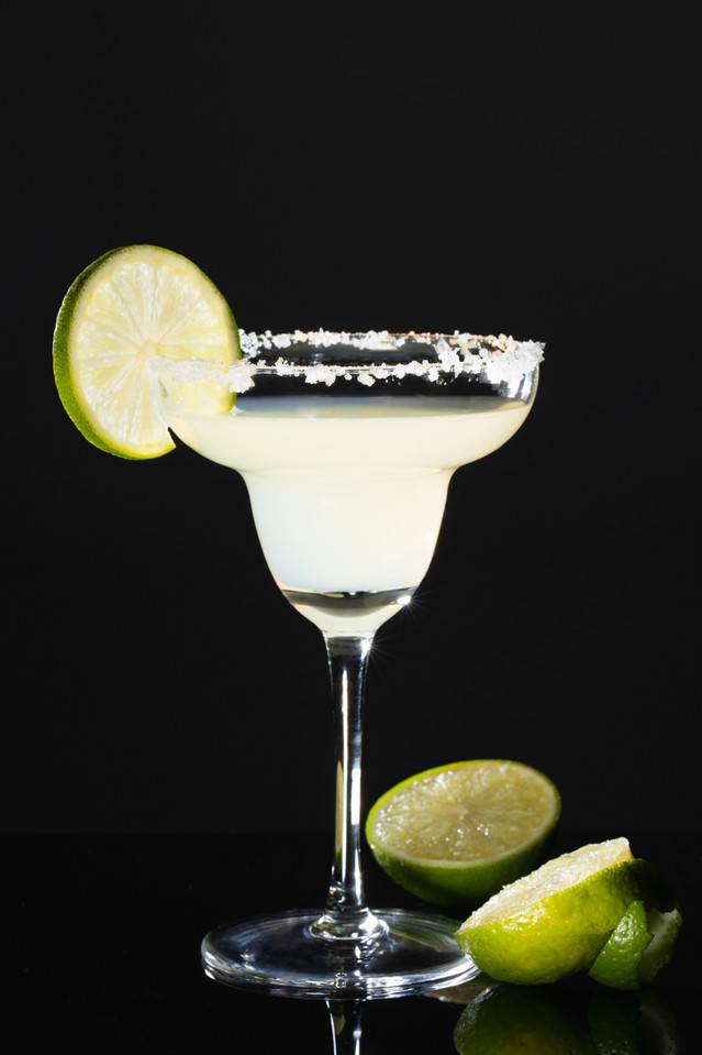 styling Margarita with lime, hawaii food photography