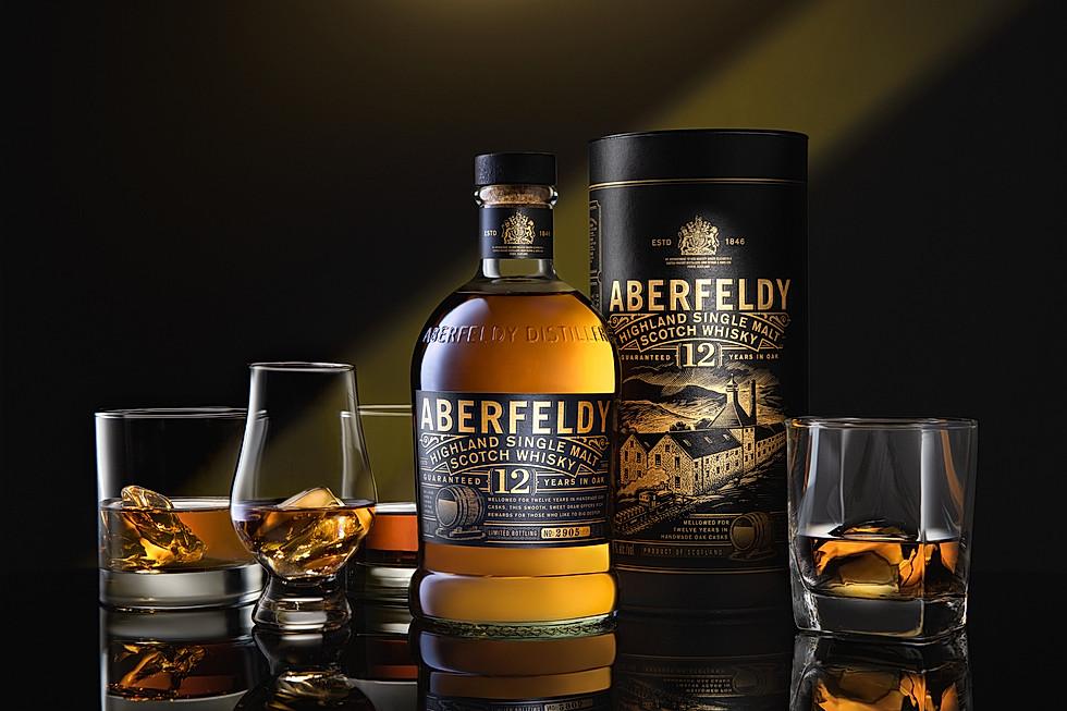 Aberfeldy whiskey and different whiskey glasses
