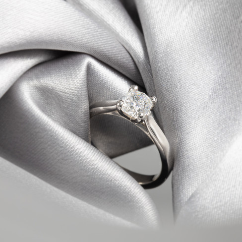 wedding ring, hawaii jewelry photography