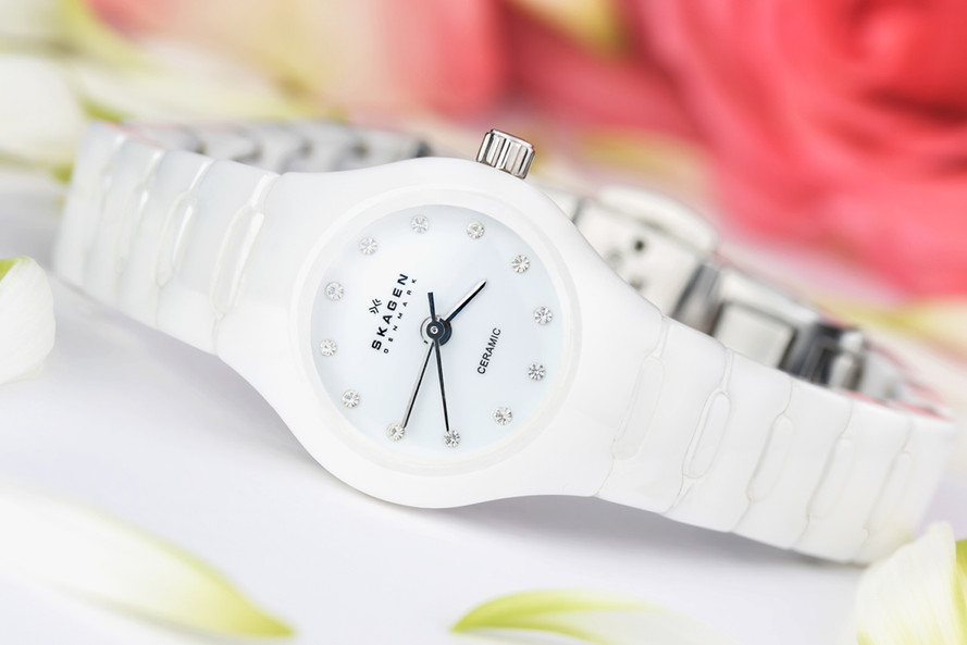 white ceramic watch, Hawaii Advertising Product & Food Photography