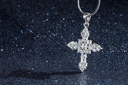 silver cross , creative hawaii jewelry photography
