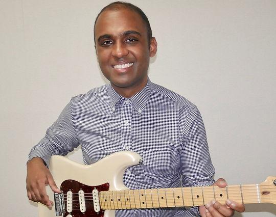 ryan boisselle guitar teacher smiling tokyo