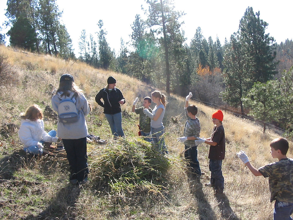 West Valley Outdoor Learning Center students learn about stewardship at the Bryant/Sayre easement.