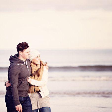 JESSICA & DAN | WINTER PRE WEDDING SHOOT AT ALNMOUTH BEACH | NORTH EAST WEDDING PHOTOGRAPHER