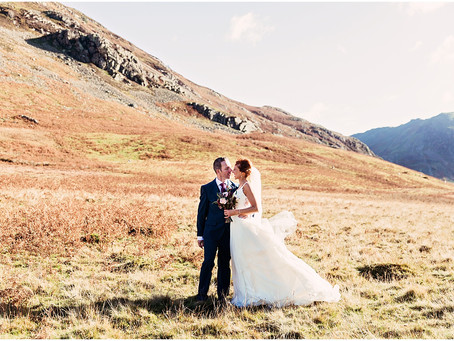 SARAH & PAUL'S PRETTY AND ROMANTIC LAKE DISTRICT BARN WEDDING | CUMBRIA