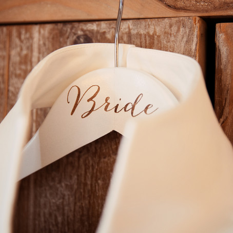 THE IMPORTANCE OF YOUR DRESS HANGER | DOCUMENTARY WEDDING PHOTOGRAPHER