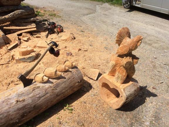 Holz-Schnitzereien