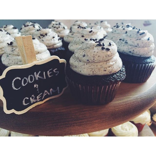 Cookies and cream wedding cupcakes