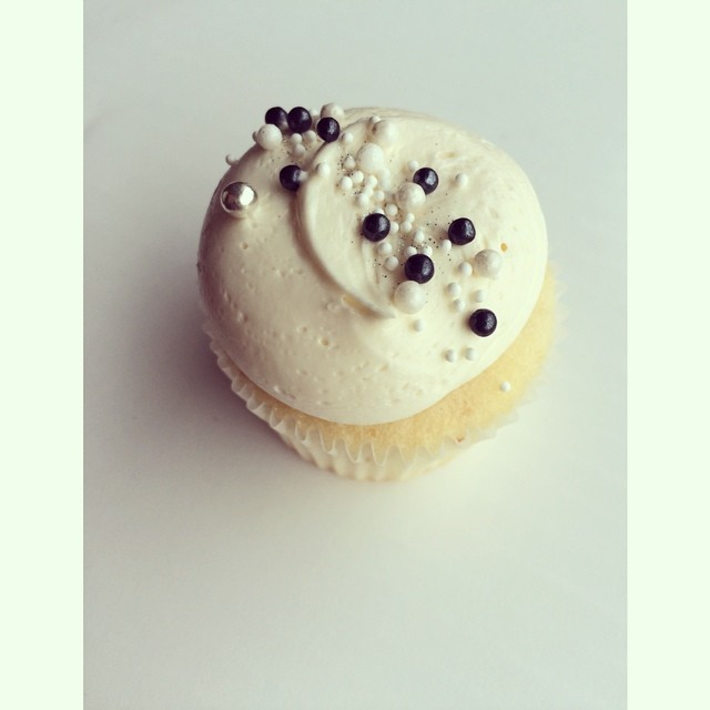 White cupcake & sprinkles