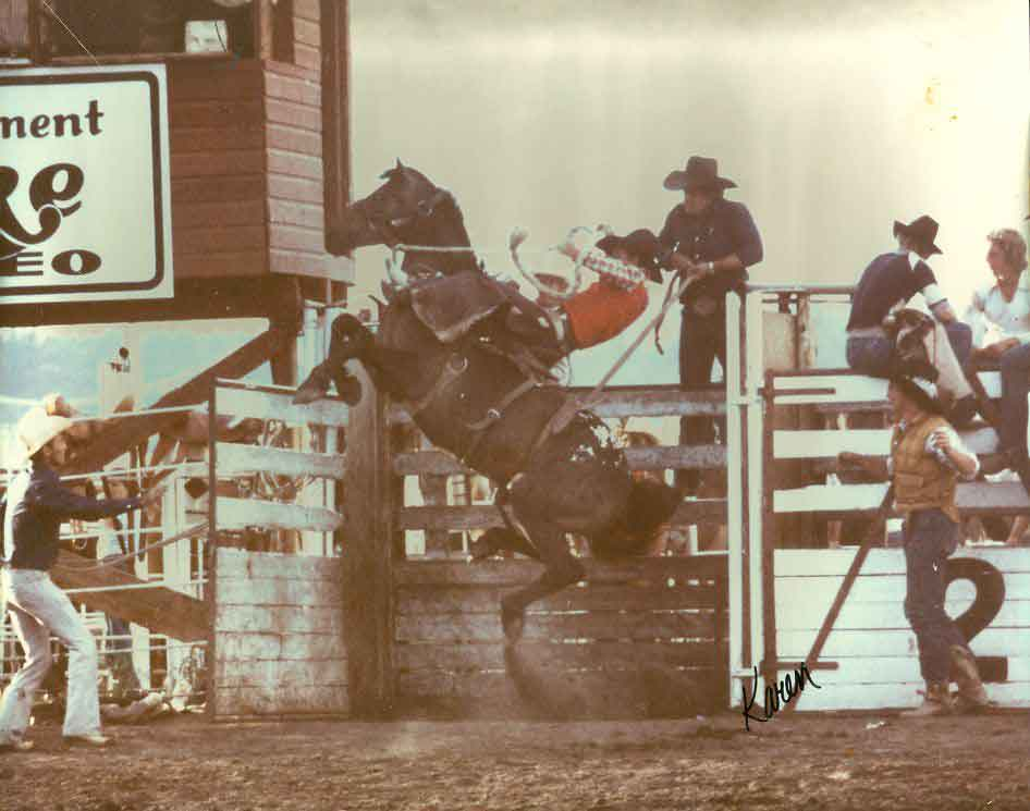 TD-Field-Saddle-bronc-Colorado