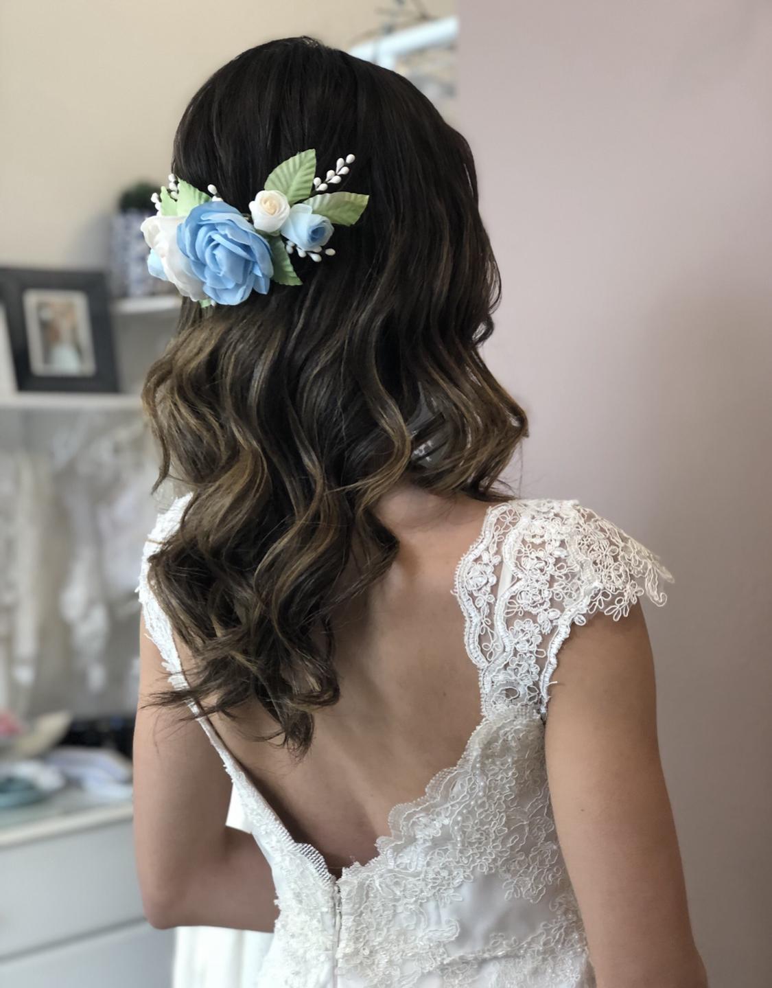 camélia azul e off white