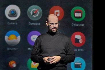 """In Review: Parks is """"remarkable"""" in the title role of """"The (R)evolution of Steve Jobs"""