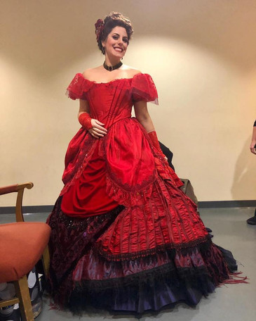"""Birsan receives rave reviews for her auspicious performance as Lyric Opera of Chicago's """"La"""