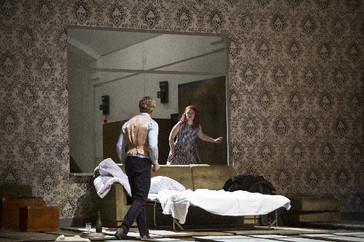 """In Review: León in Deutsche Oper Berlin's """"La sonnambula"""""""