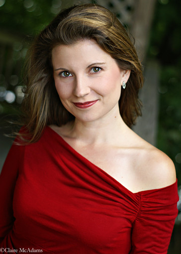 "In Review: Amanda Crider impresses in ""The Cornered Hat"" with the New World Symphony"