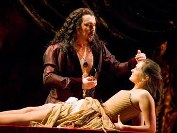 Opera News hails Burns and Lugo in MOT Giovanni