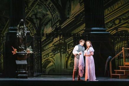 """Vickers """"shines"""" in Virginia Opera """"Tosca"""""""