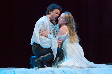"The New York Times hails David Crawford as Paris in ""Roméo et Juliette"" at The Metropolita"