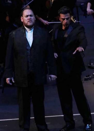 """Treviño lends """"dashingly dark"""" Sparafucile to HOT's """"Rigoletto"""""""