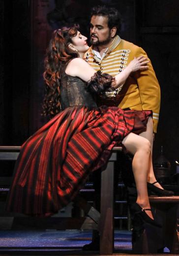"Montiel brings ""rich, sensual tones"" and ""easy confidence"" to Florida Grand Oper"