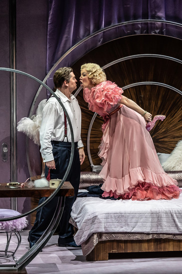 """Susannah Biller """"irresistible"""" in """"Dinner at Eight"""" at Wexford Festival Opera"""