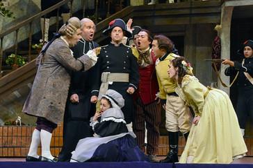 """Tyler Simpson's Basilio """"hysterical"""" in Fort Worth Opera's """"Il barbiere di Siviglia""""!"""