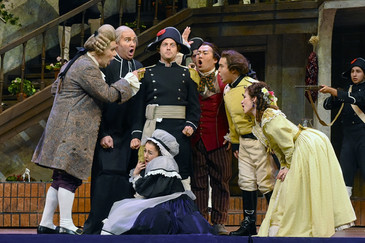"Tyler Simpson's Basilio ""hysterical"" in Fort Worth Opera's ""Il barbiere di Siviglia""!"