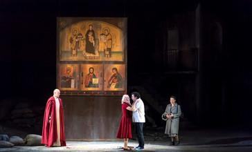 """In Review: León brings his """"golden tone"""" to Roméo in Nice"""