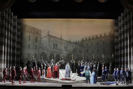 "Montenegro makes a ""robust impression"" as SFO Tybalt in ""Roméo et Juliette"""