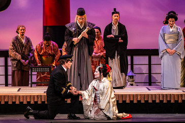 "Crawford ""magnificent"" in ""Madama Butterfly"" with Knoxville Opera"