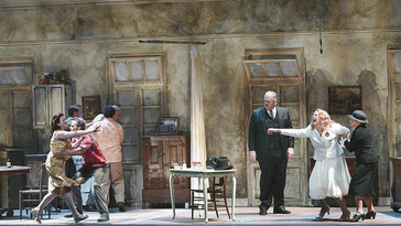 "In Review: Victoria Livengood ""terrific"" as Eunice in ""Streetcar"" at Hawaii Oper"