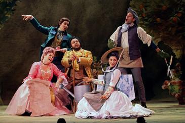 "Colaneri brings ""pure joy"" and ""subtle understanding"" to Juilliard ""Finta&q"