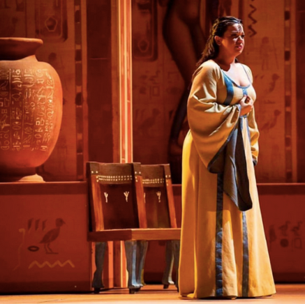 "In Review: Alvarez as ""Aida"" gives ""breathtaking lyricism"""