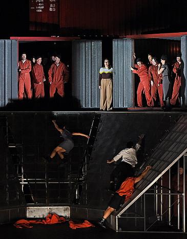 In Review: Calenos impresses in Schönerland at the Staatstheater Weisbaden