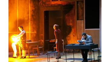"""Carico offers a """"superbly sung"""" Dr. Kolenaty in Deutsche Oper Berlin """"Makropulos Affair"""""""