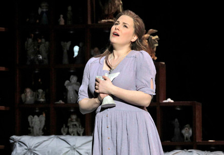 "Opera News: Munger ""an artist to reckon with"" in Minnesota Opera's ""Rigoletto&quo"