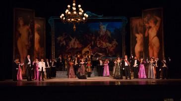 Here's a fine review of JAMIE-ROSE GUARRINE, AMANDA CRIDER, AND JOHN HOOMES for Florentine Opera Com