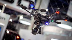 typhoon-h-drone-in-flight_1400x.progress