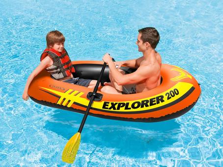 07 equipamentos infláveis ideais para viagens por menos R$ 200,00