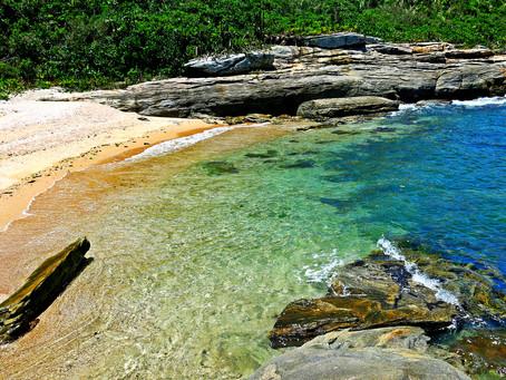 Cidade ao norte do Rio tem lagoas deáguadoce, praiasparadisíacase ainda fica perto de cachoeiras