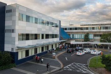 Westmead-Hospital-main-entrance-300x200.