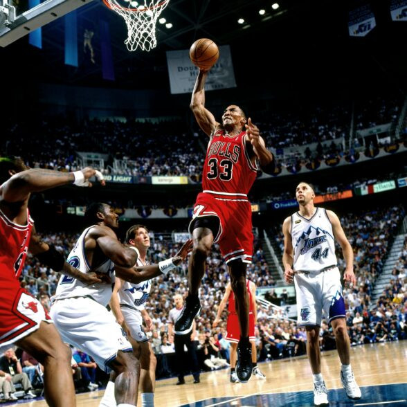 Scottie_Pippen_Chicago_Bulls_Finals_NBA_Around_the_Game