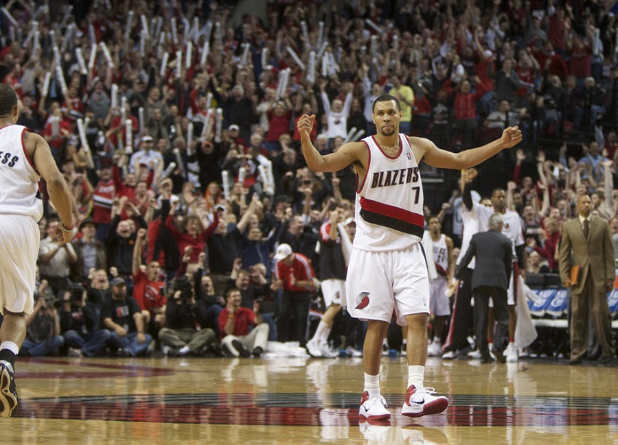 Brandon_Roy_Portland_Blazers_NBA_Around_the_Game