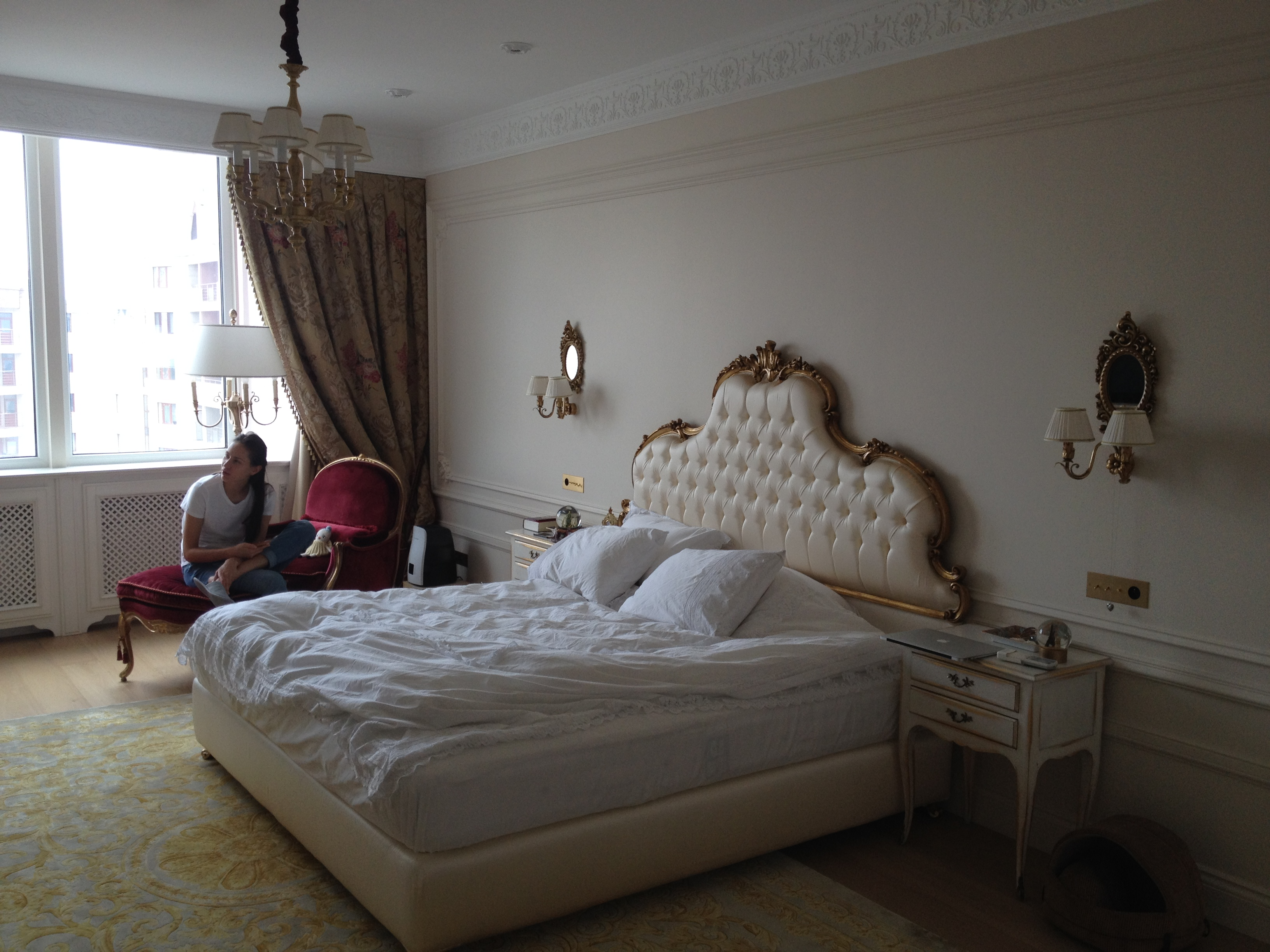 Bedroom alive