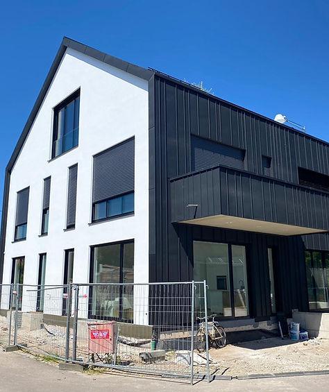 Neubau mb Planungsbüro & 4 Wohneinheiten